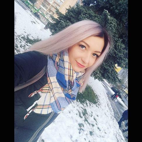 karina_light3.jpg