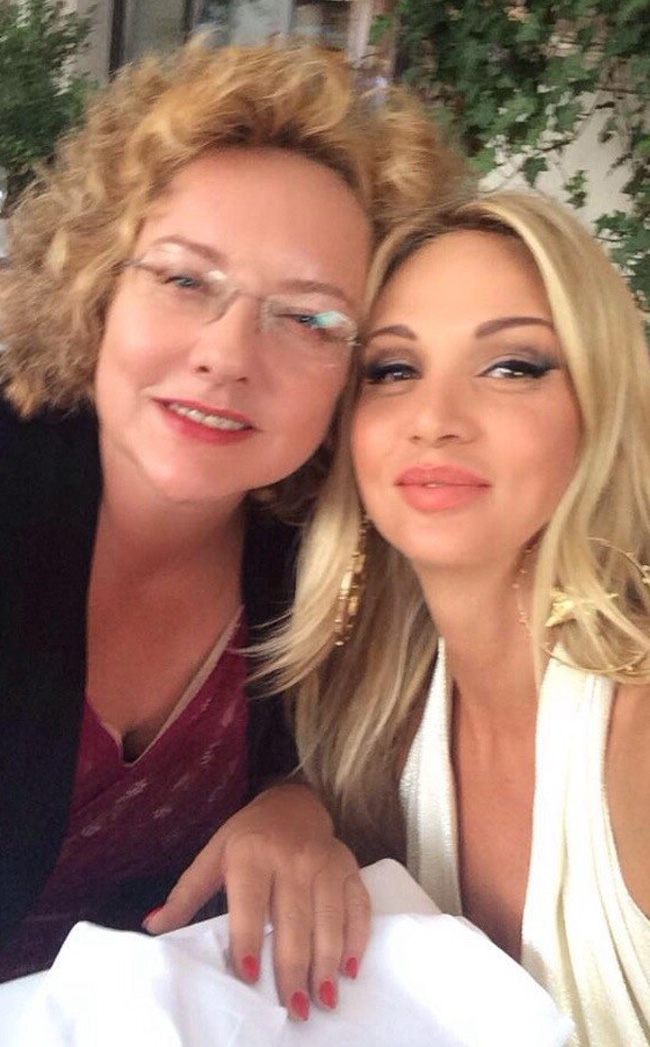 with_my_mother_003.jpg